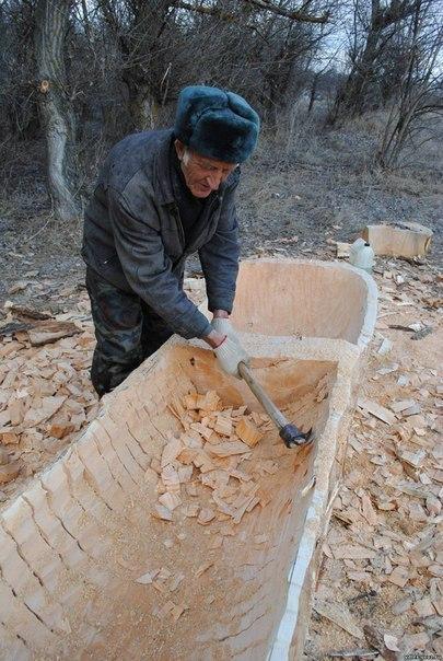 лодка выдолбленная из целого ствола дерева