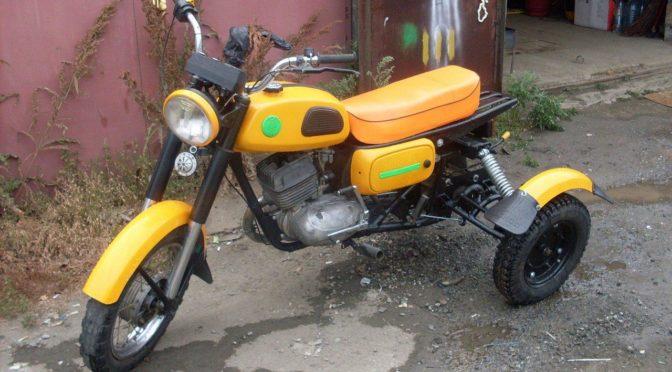 Самодельный трицикл собран из Советских мотоциклов
