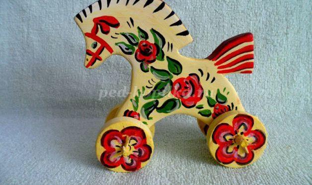 Игрушка «Лошадка-каталка»