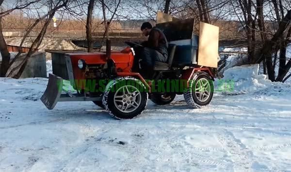 Самодельный мини-трактор 4х4 с отвалом