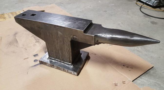 Самодельная наковальня из обрезков металла