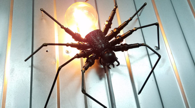 Как сделать светильник в виде паука своими руками