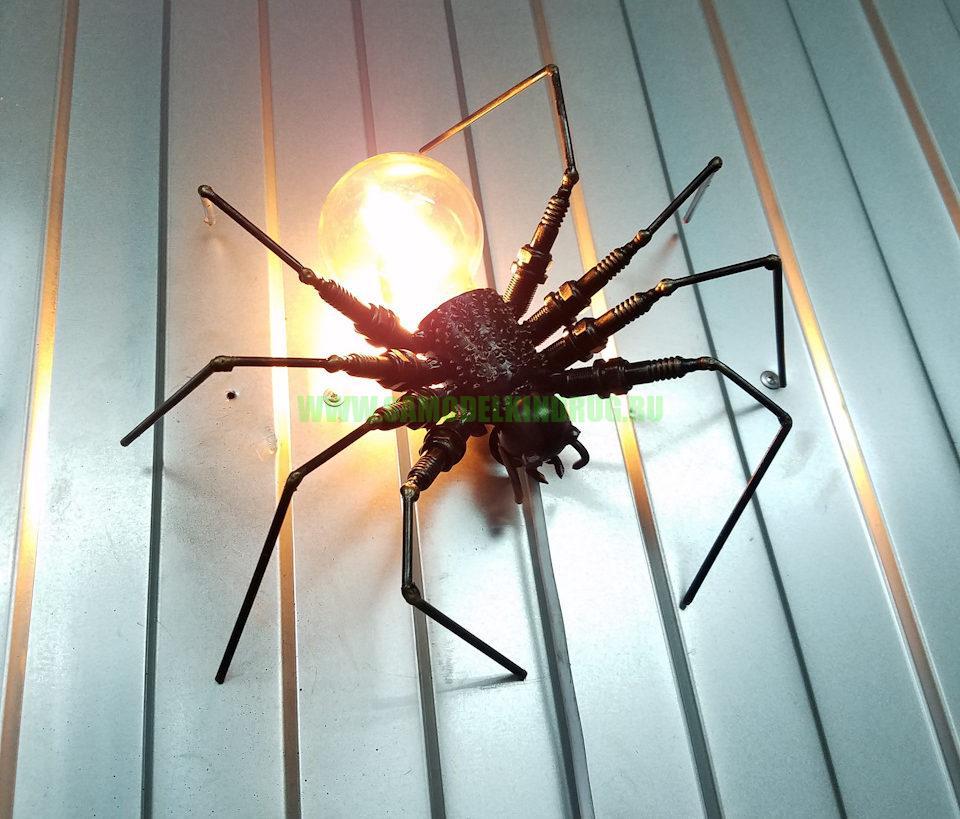светильник паук